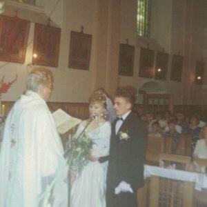 1994 Monika i Mirosław Kwaśni ks. Józef Osyda.