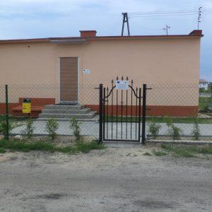 2012 r. Ogrodzenie, utwardzenie terenu i powstanie grila na terenie starej mleczarni- obecnie siedziba SKGW