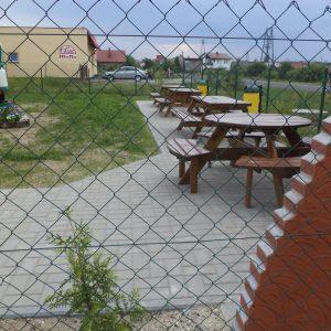 2012 r. Ogrodzenie, utwardzenie terenu i powstanie grila na terenie starej mleczarni- obecnie siedziba SKGW.