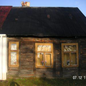 2019 r. lipiec rozebrany ostatni drewniany dom w Dobrowie.