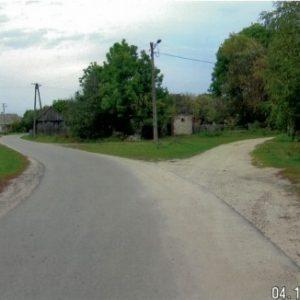 Od 2010 ta droga jest wylana asfaltem