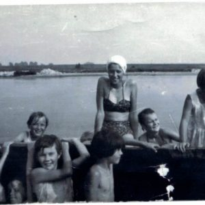 1970 r. kąpiel w Warcie.