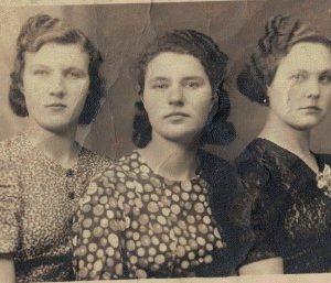 Helena Bryl – pierwsza z lewej