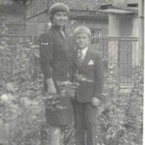 Jadwiga Lorenc z synem Tomkiem