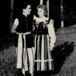 Jadwiga Lorenc w zespole tanecznym