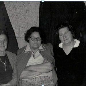 Od lewej -Salomea Gralińska, Anna Kokorzycka, Zuzanna Łapińska