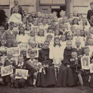 Roczniki od 1931 do 1935 komunia święta maj 1945 roku