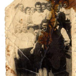 Zdjęcie rodziny Perkowskich i Brzezińskich Od lewej na dole: Aleksander Lubaczewski (przezwisko Tajrych) Henryk Perkowski
