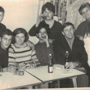 1960 rok Klubo-kawiarnia u Lubaczewskich- prowadziła G. Dupczyńska