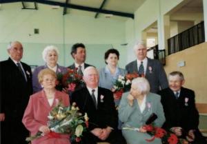 2003 r. Złote Gody- L.A. Gralińscy, T.R. Grzymscy, T.M. Lubaczewscy, H. L. Szymankiewicz z sołtysem S. Klukaczyńskim